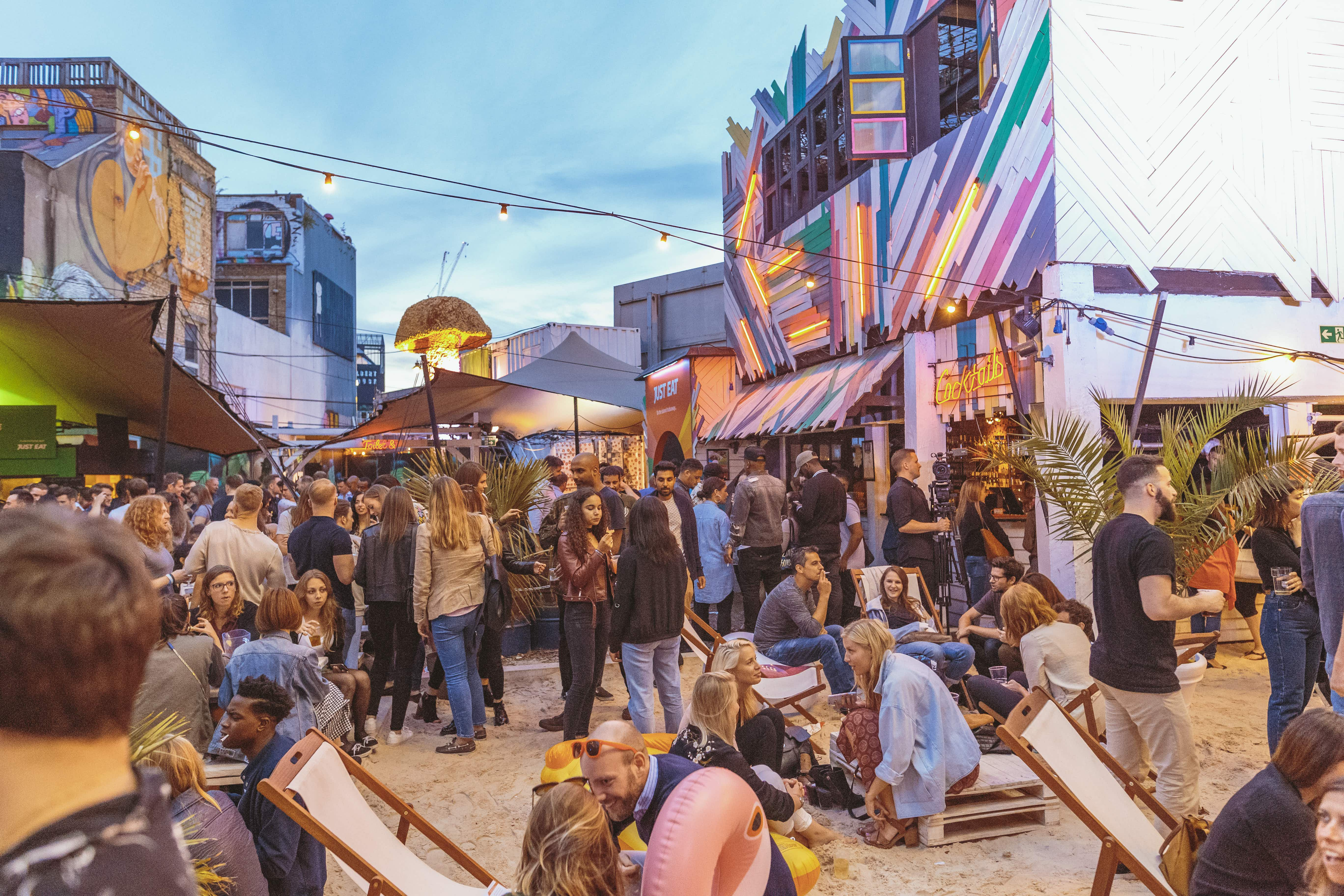 'Oktoberfest' comes to London with break-dancers, Hasselhoff karaoke and bratwurst-eating challenges