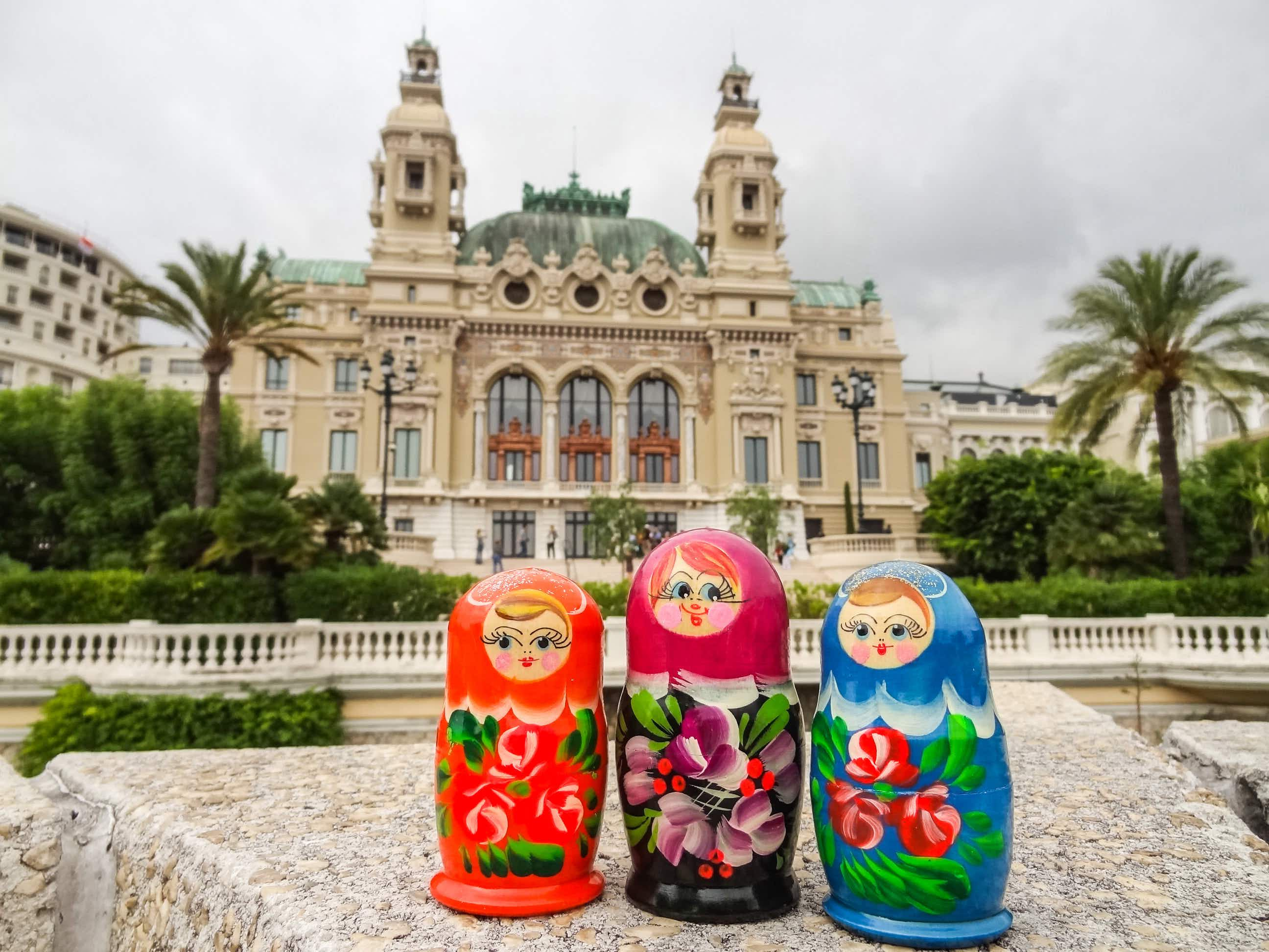 A traveller photographed Russian nesting dolls in every country she visited in the world