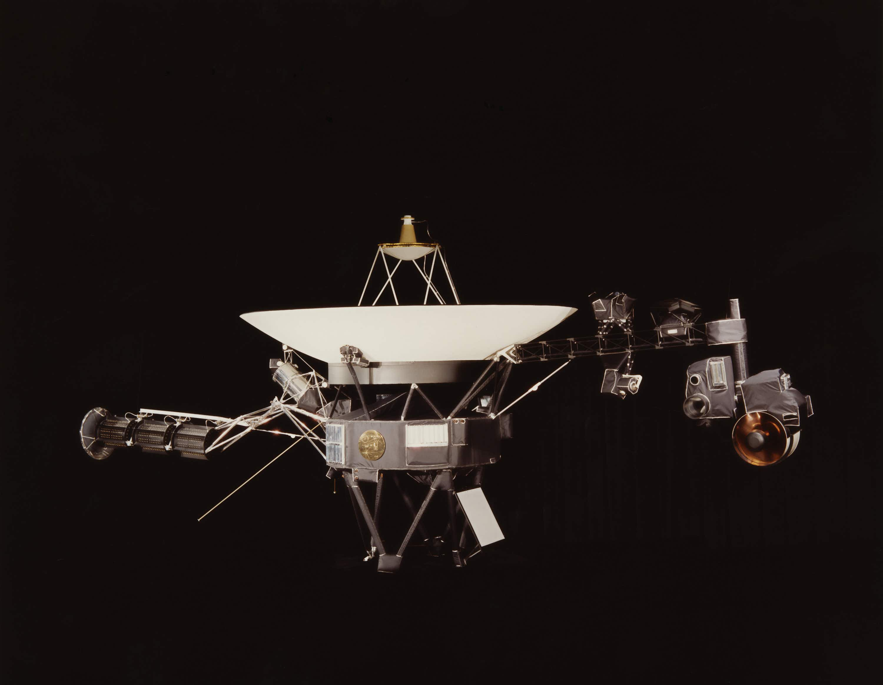 NASA wants to transmit your message to interstellar space to mark the 40th anniversary of Voyager 1