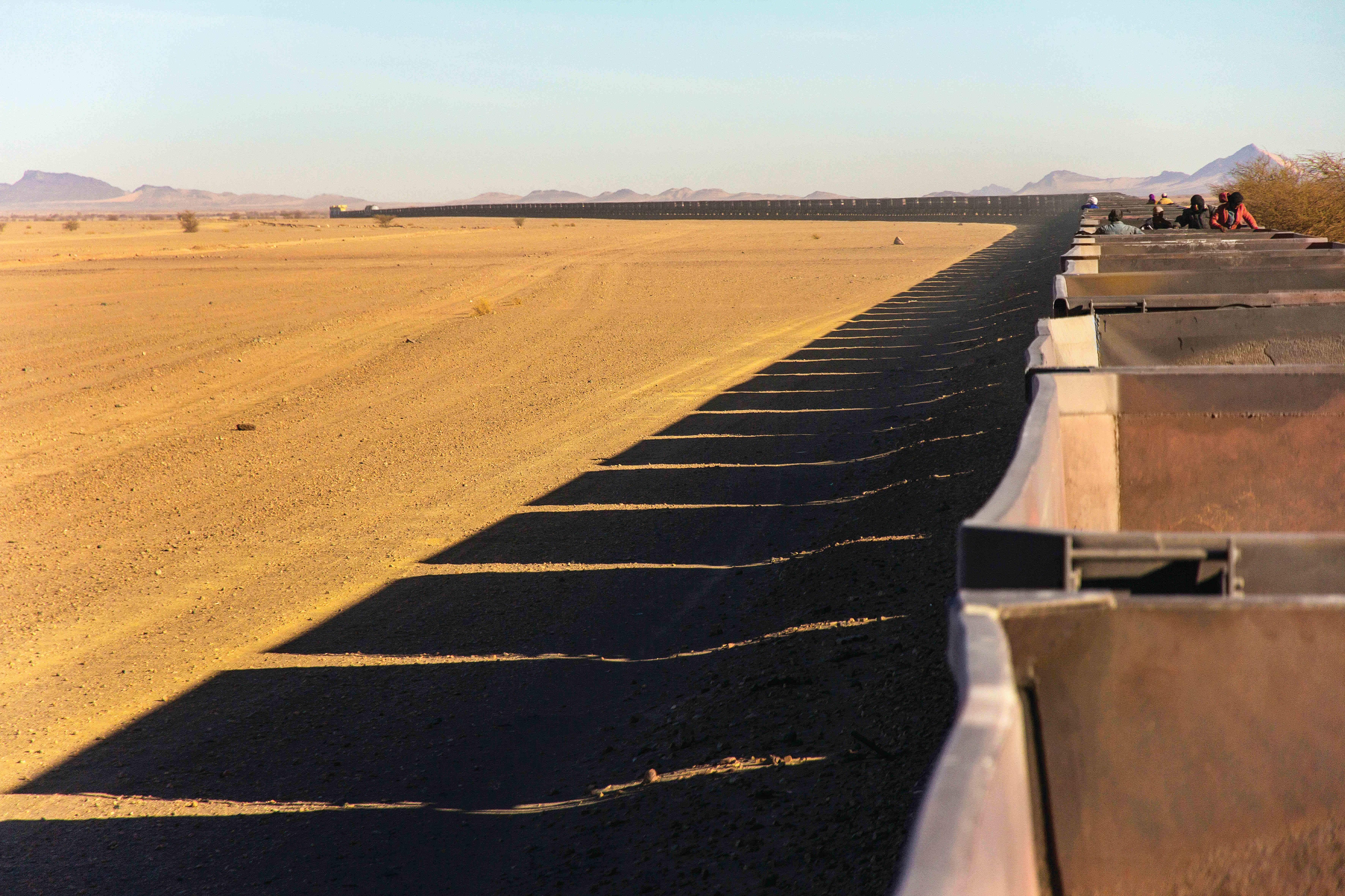 Photographer captures life on the legendary iron ore freight train of Mauritania