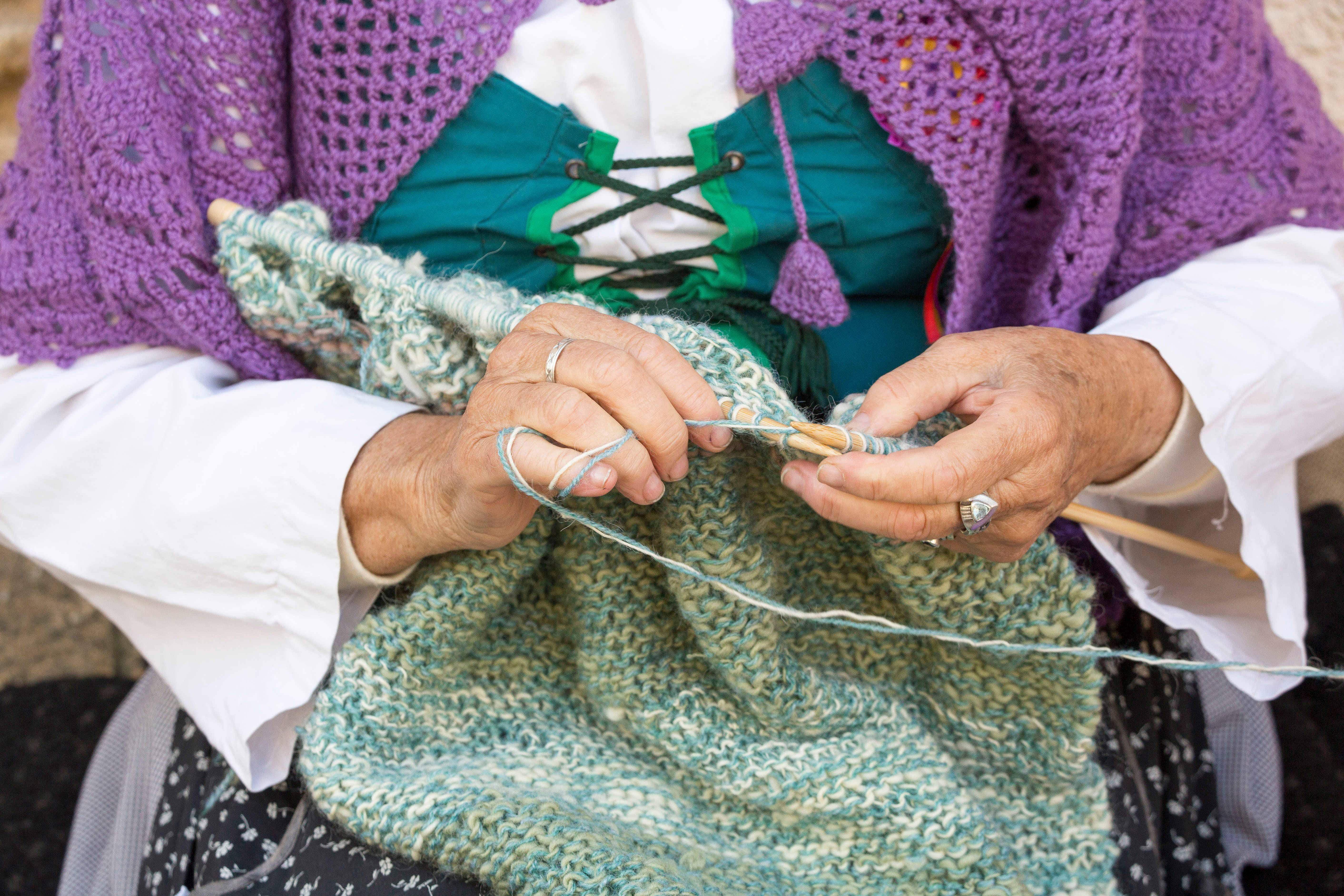 World's fastest knitter and 'hat architect' among stars of Scottish festival