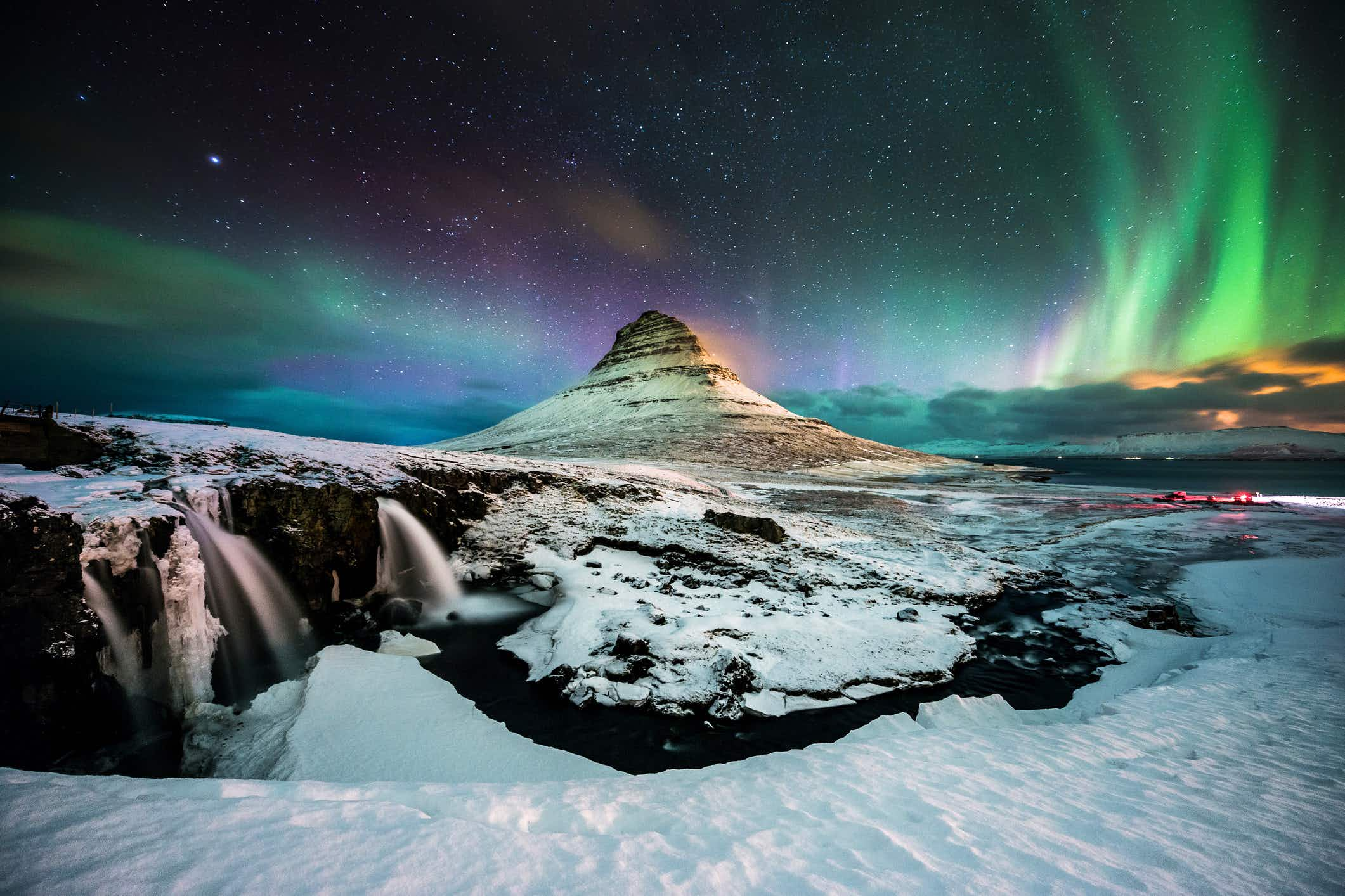 Planning a trip to Iceland to see the Northern Lights? This airline will give you a discount