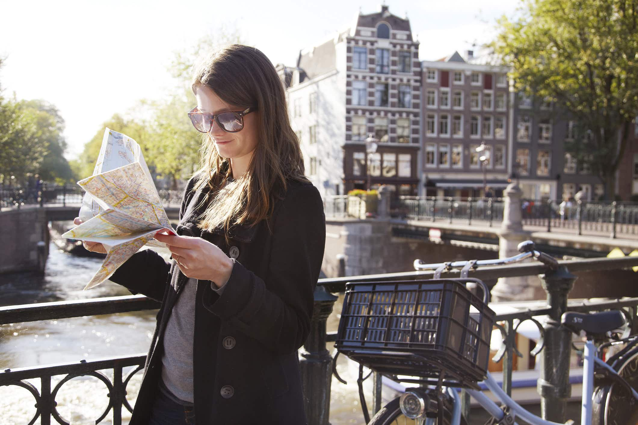 KLM's new luggage tag will also guide you around Amsterdam