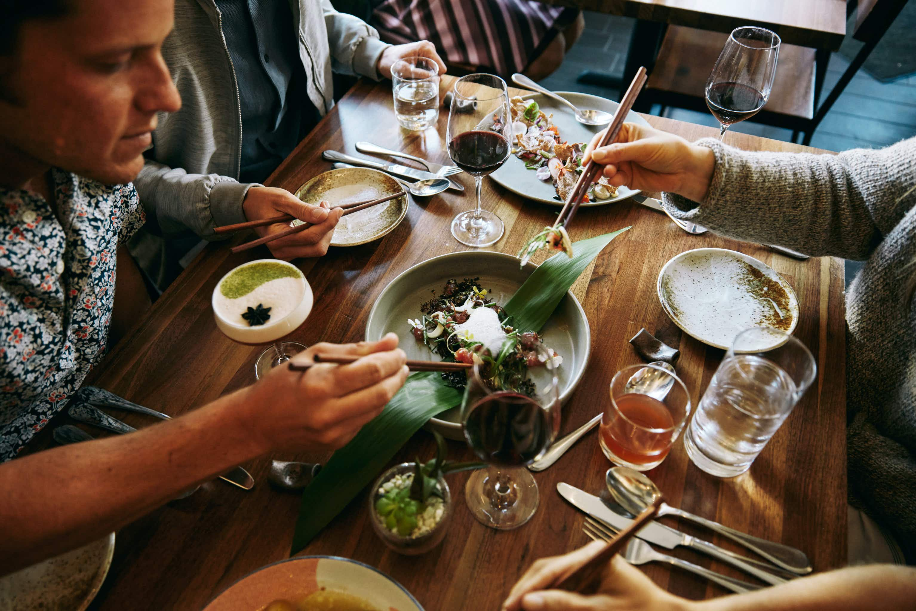 Airbnb will now let you make reservations at restaurants around the US
