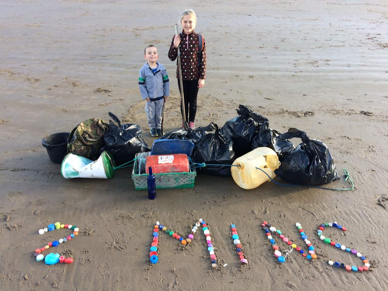 Meet the Welsh family dedicating their weekends to keep Pendine Beach clean