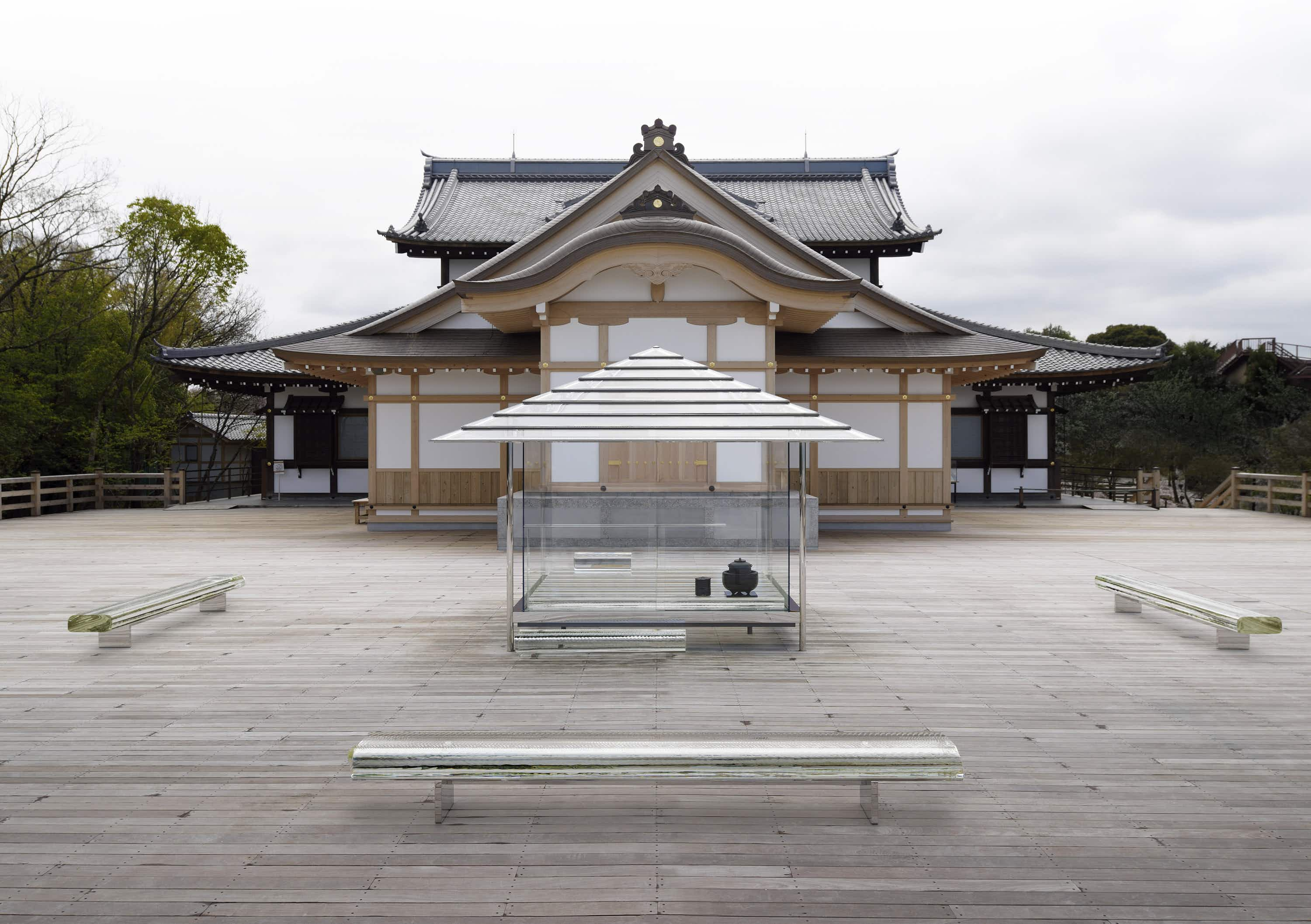 This glass Japanese tea house is travelling the world sharing the art of the tradition