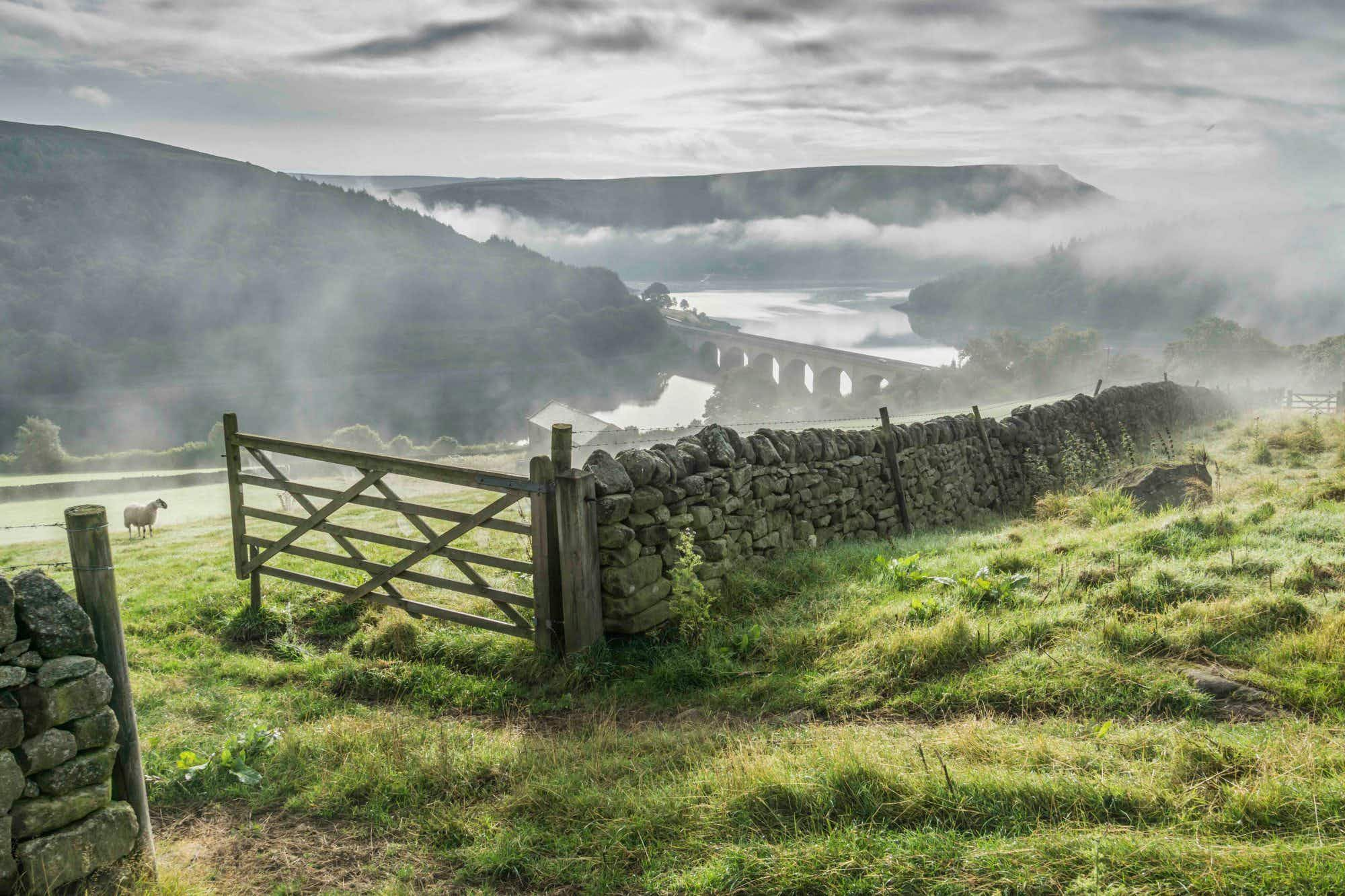 'So many beautiful places in such a small area,' see England's Peak District in a new light