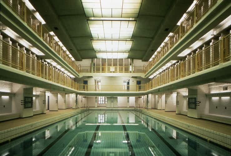 Art-deco swimming pool from the film 'Amélie' set to reopen