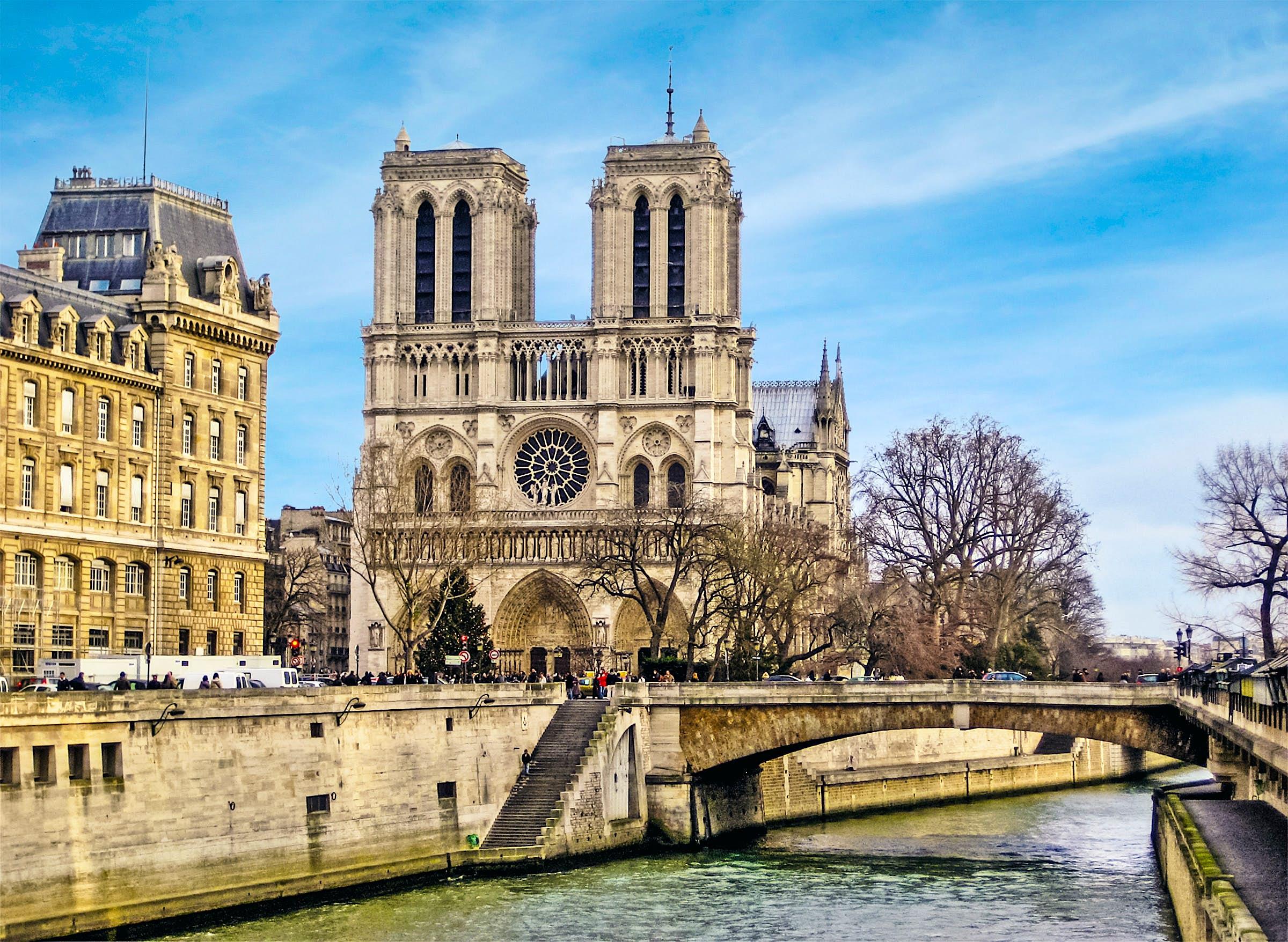 Catedral de Notre Dame, París, Francia antes del devastador incendio