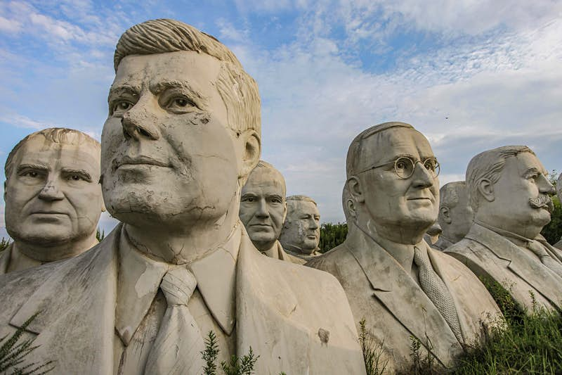 Travel News - MDRUM_Lost_Presidents_Heads-10