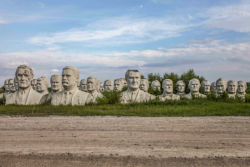 Travel News - MDRUM_Lost_Presidents_Heads-4