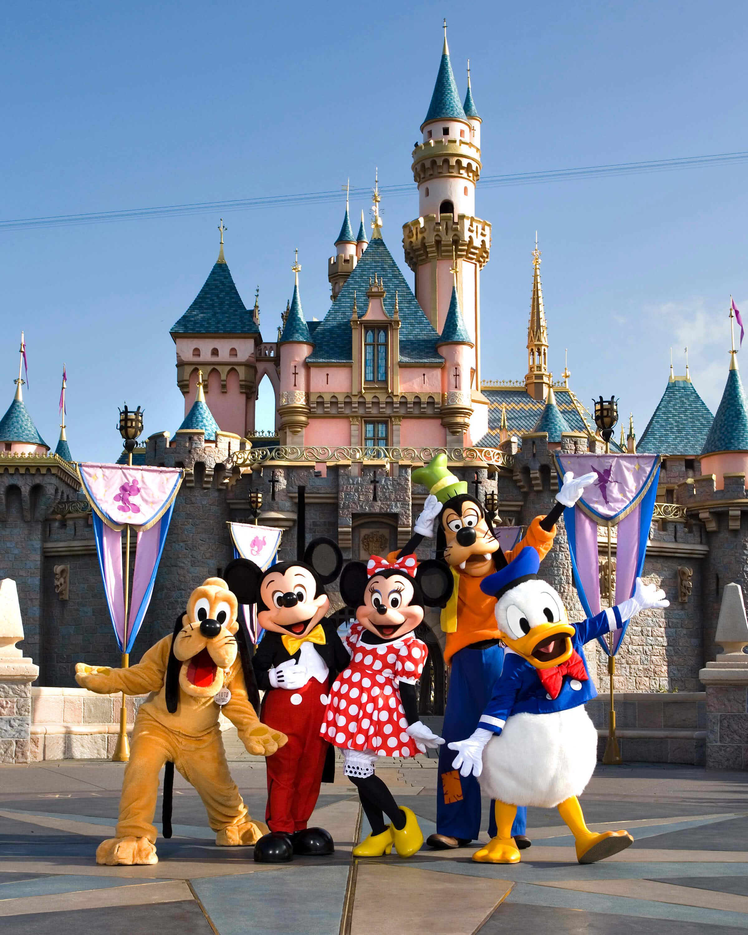 Disneyland is getting rid of its outdoor seating