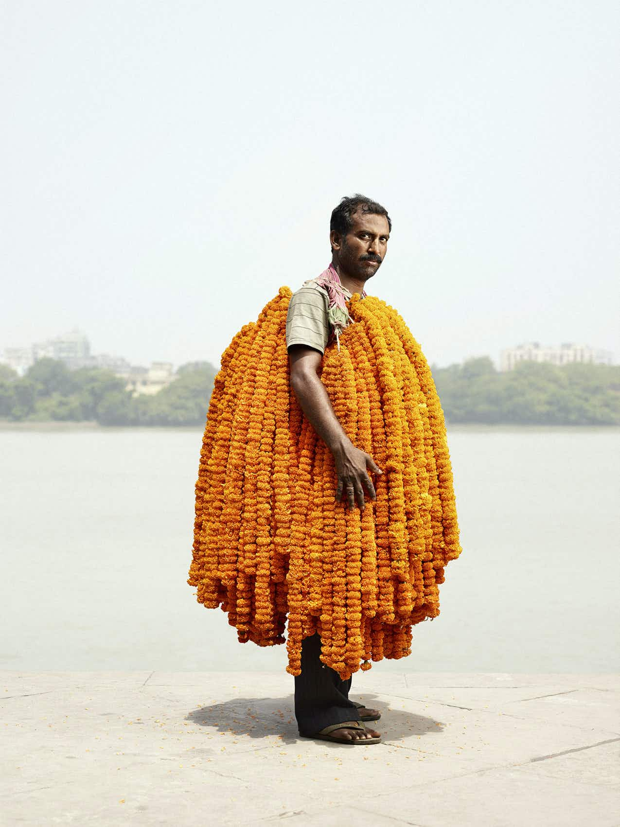 A traveller took these stunning portraits of the 'flower men' of Kolkata