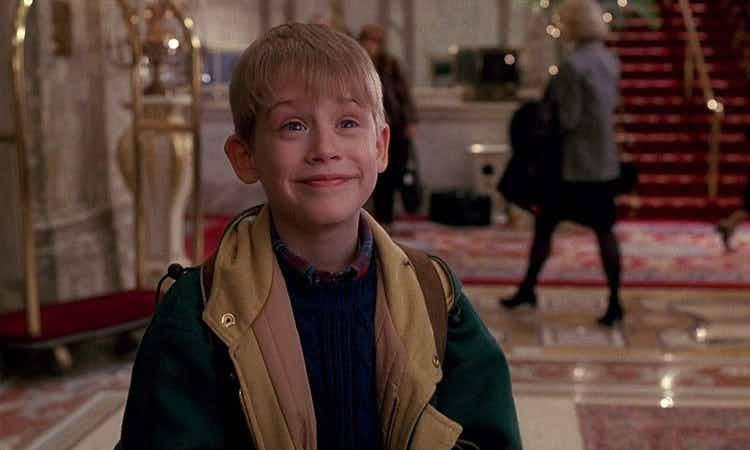 Celebrate the 25th anniversary of Home Alone 2 at the Plaza in New York