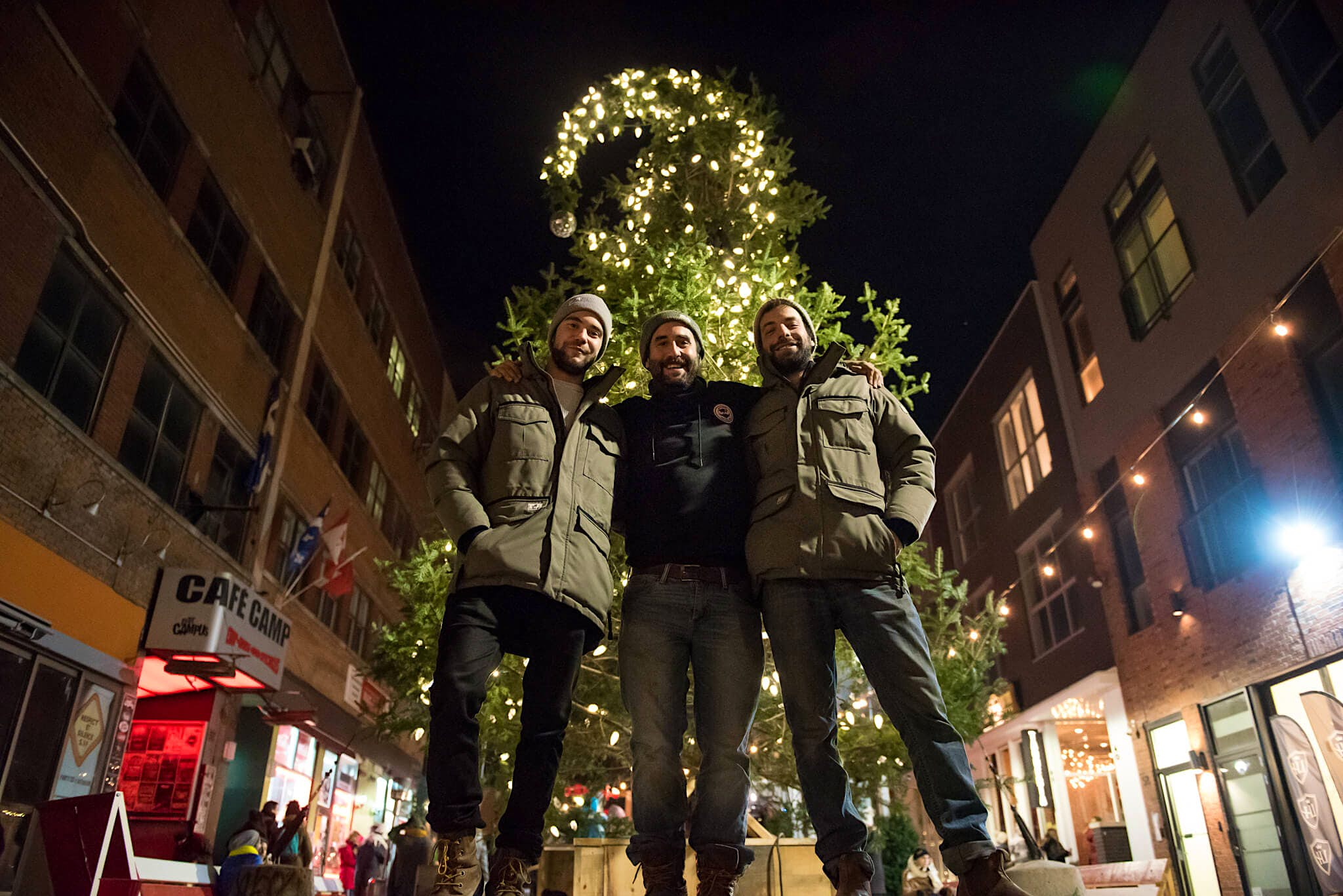 Montréal's ugly Christmas tree returns this year to start ...