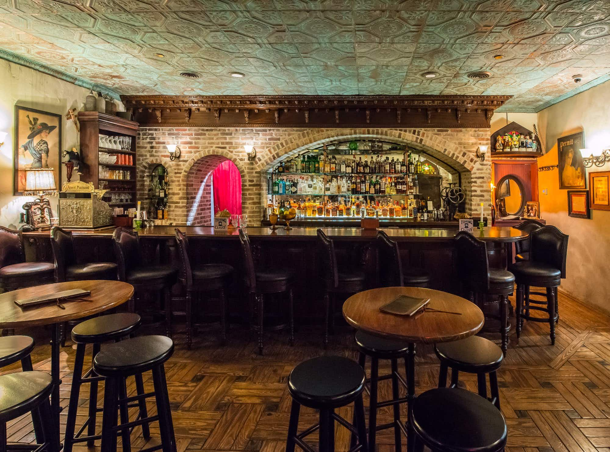 Inside Savannah's new hidden speakeasy and prohibition museum