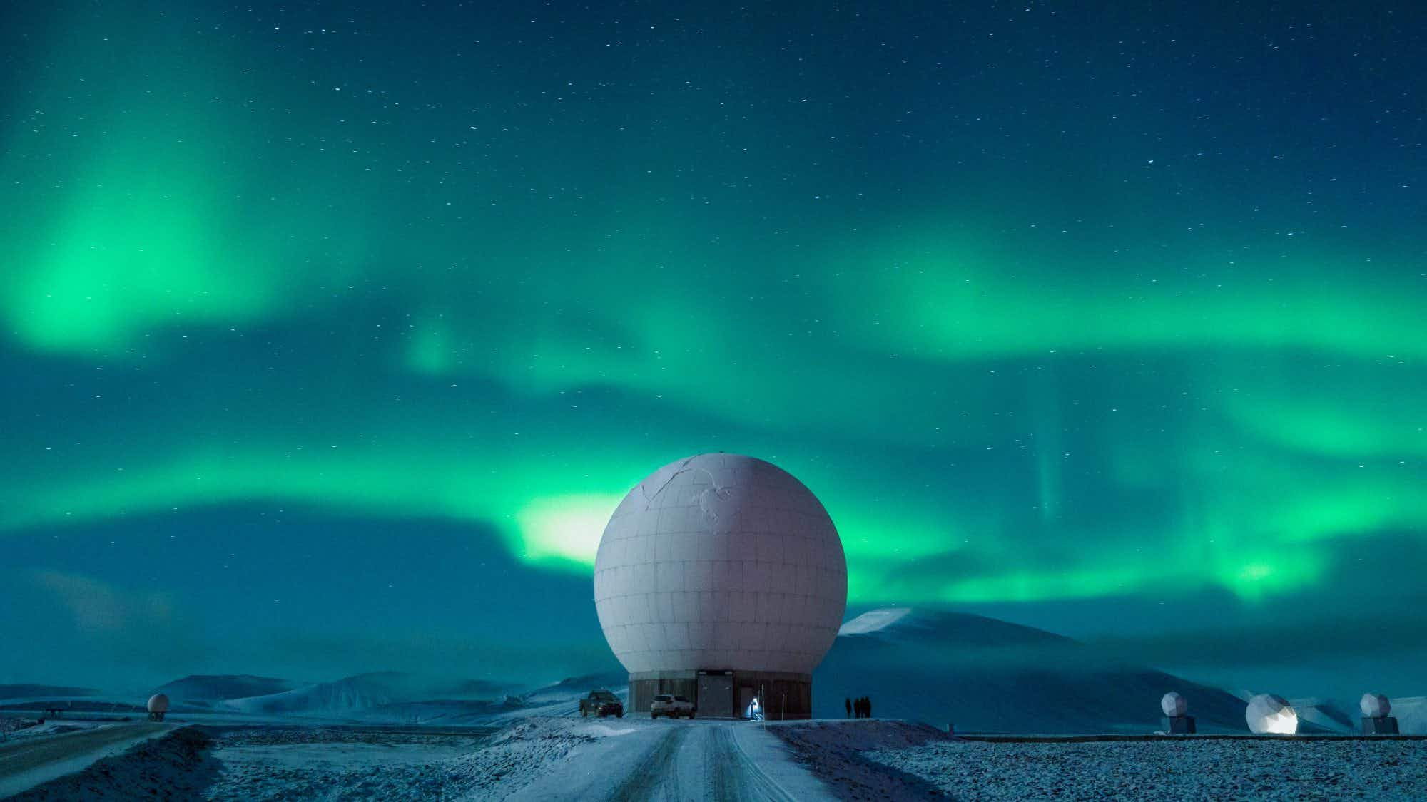 Check out these otherworldly shots of an Arctic satellite station