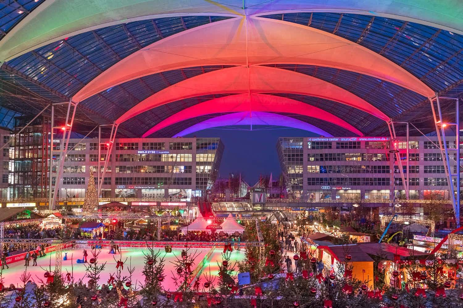 Skate to live music at Munich Airport's Christmas and Winter Market