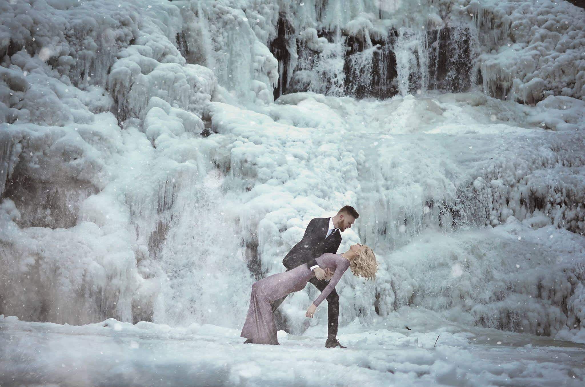 Tennessee couple take stunning engagement photos at frozen waterfall