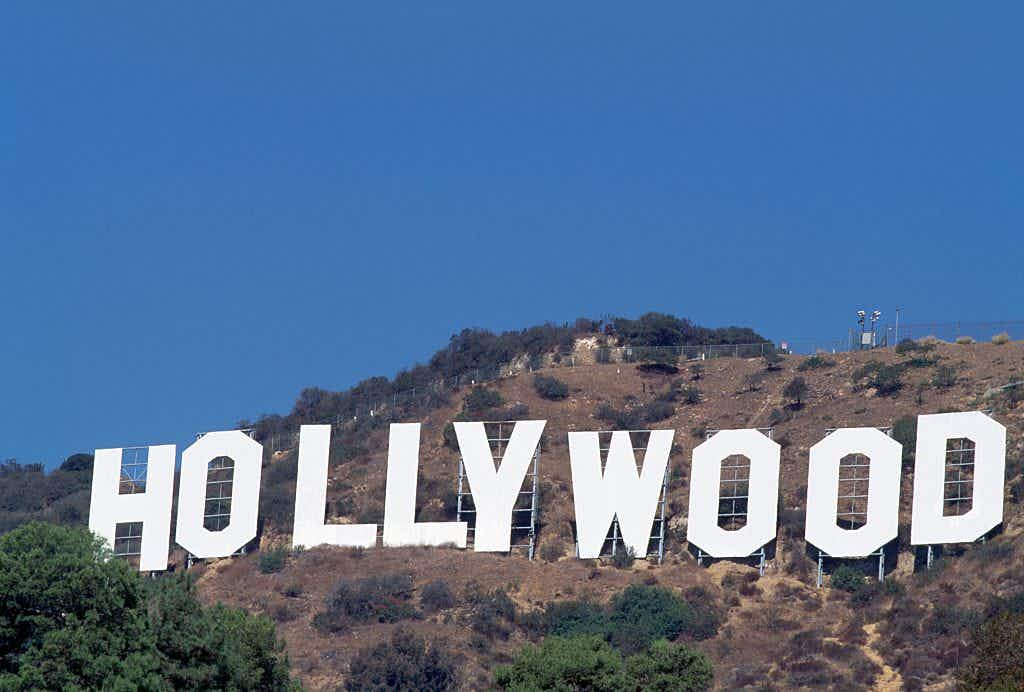 Would you take a selfie in front of a new Hollywood sign?