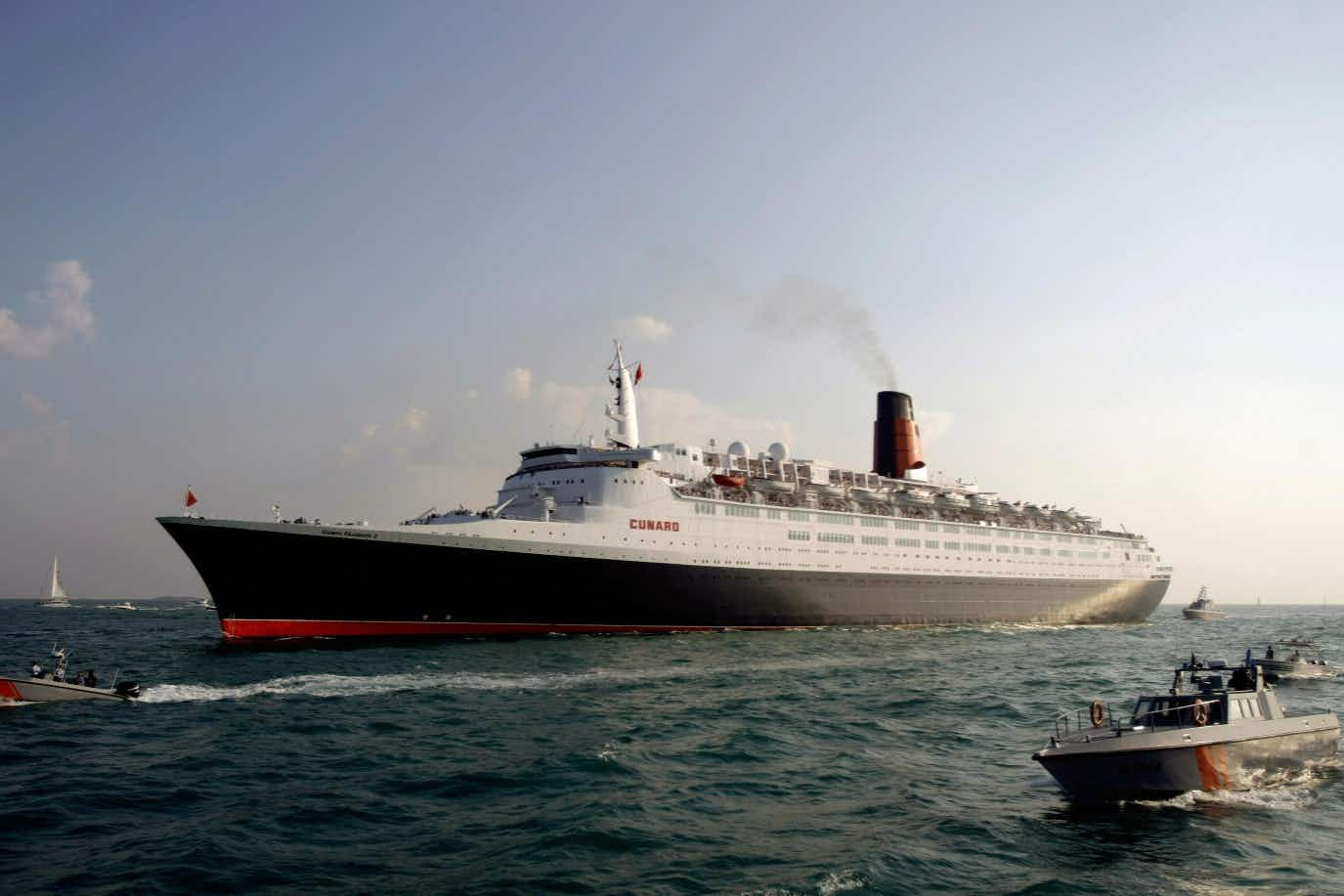 The QE2 cruise ship is to start a new life as a floating hotel in Dubai