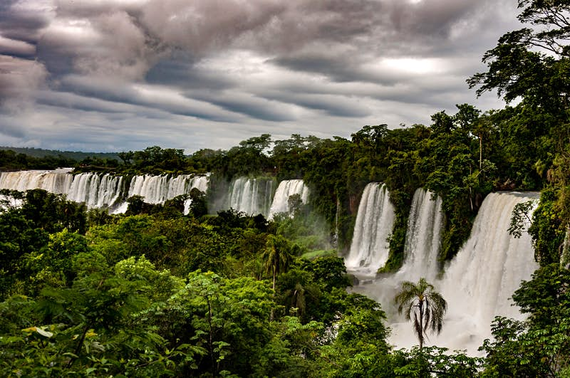 Guests at the lodge can easily explore the legendary Iguazú Falls, located just 20 minutes nearby.