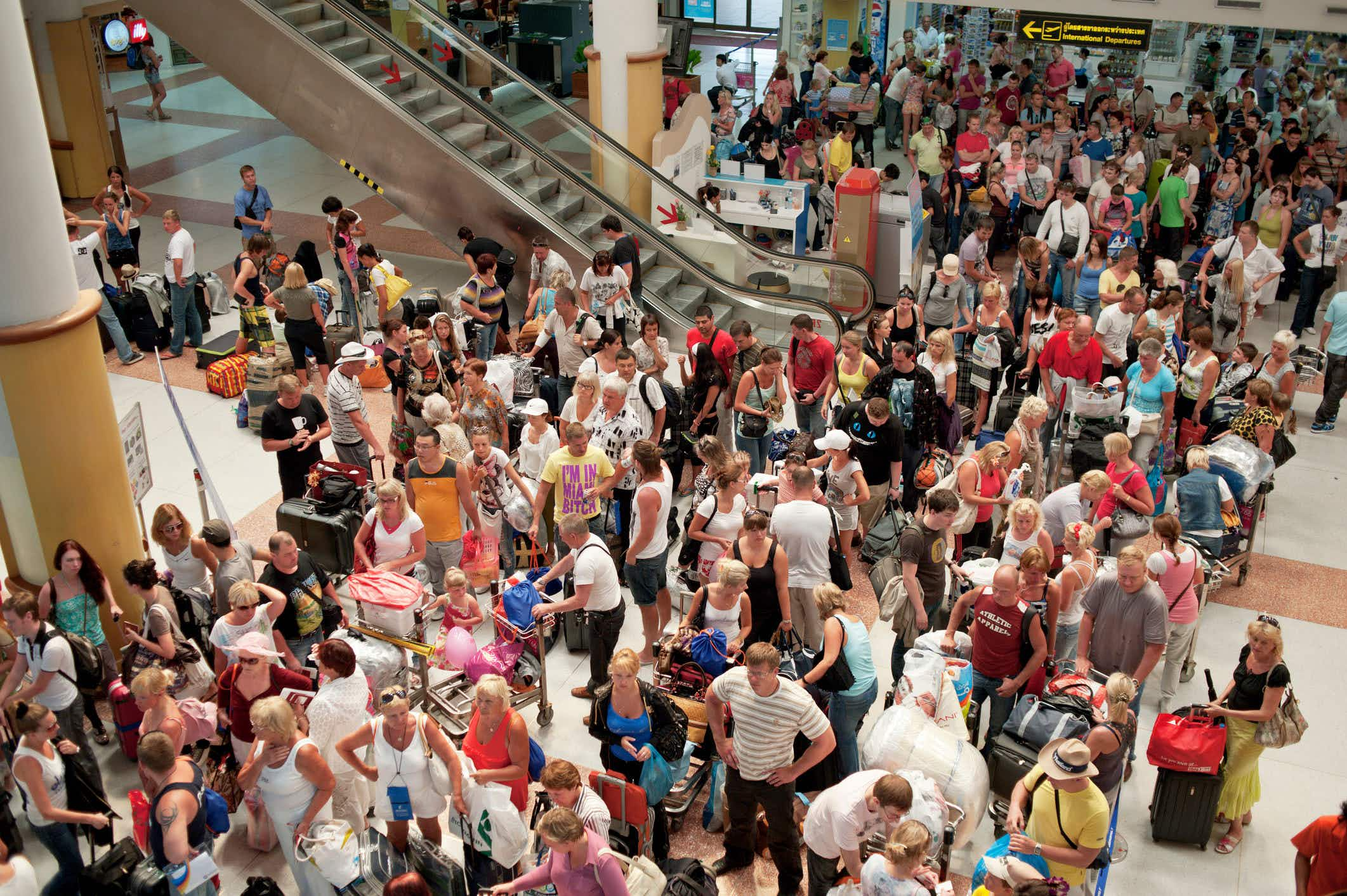 Here's how US travelers can avoid delays when flying this spring