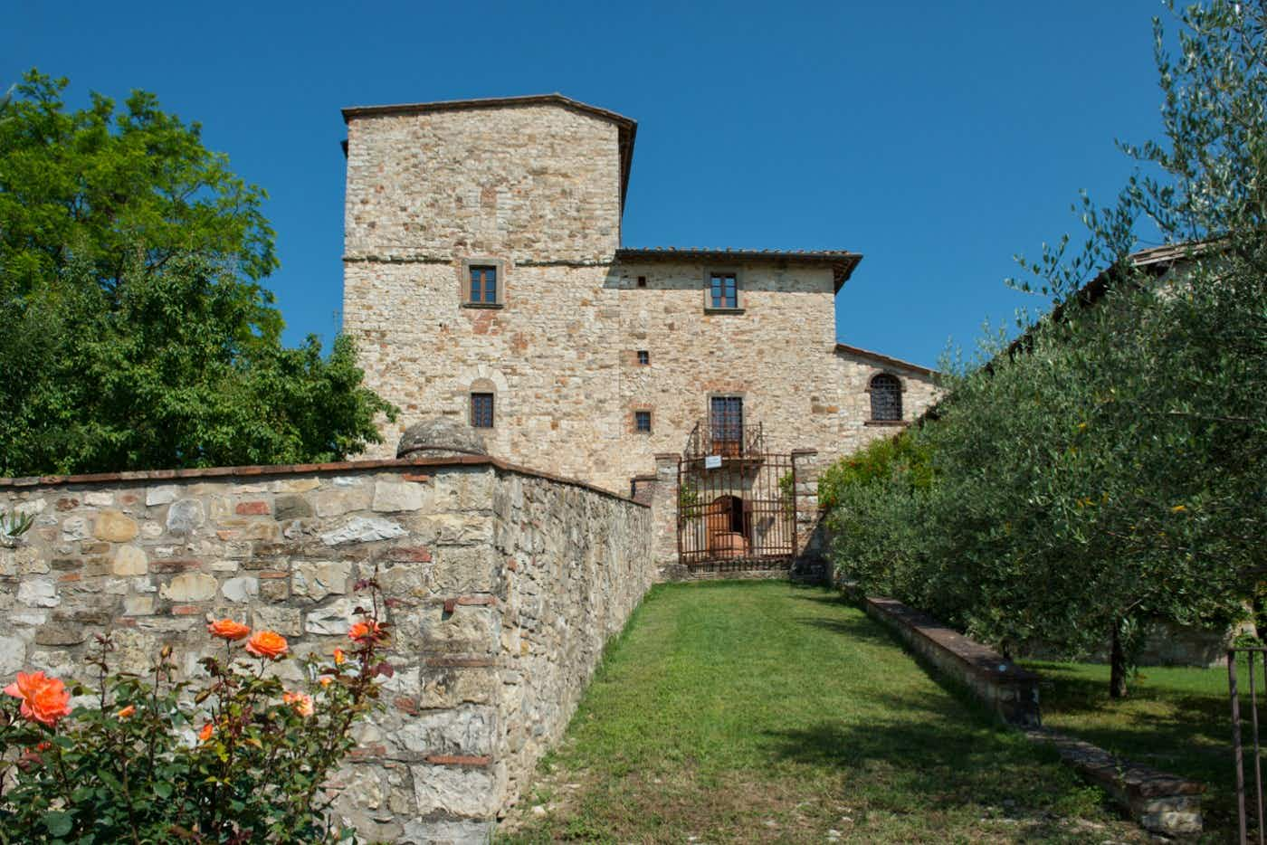 An idyllic Tuscan farmhouse once owned by Michelangelo is up for sale