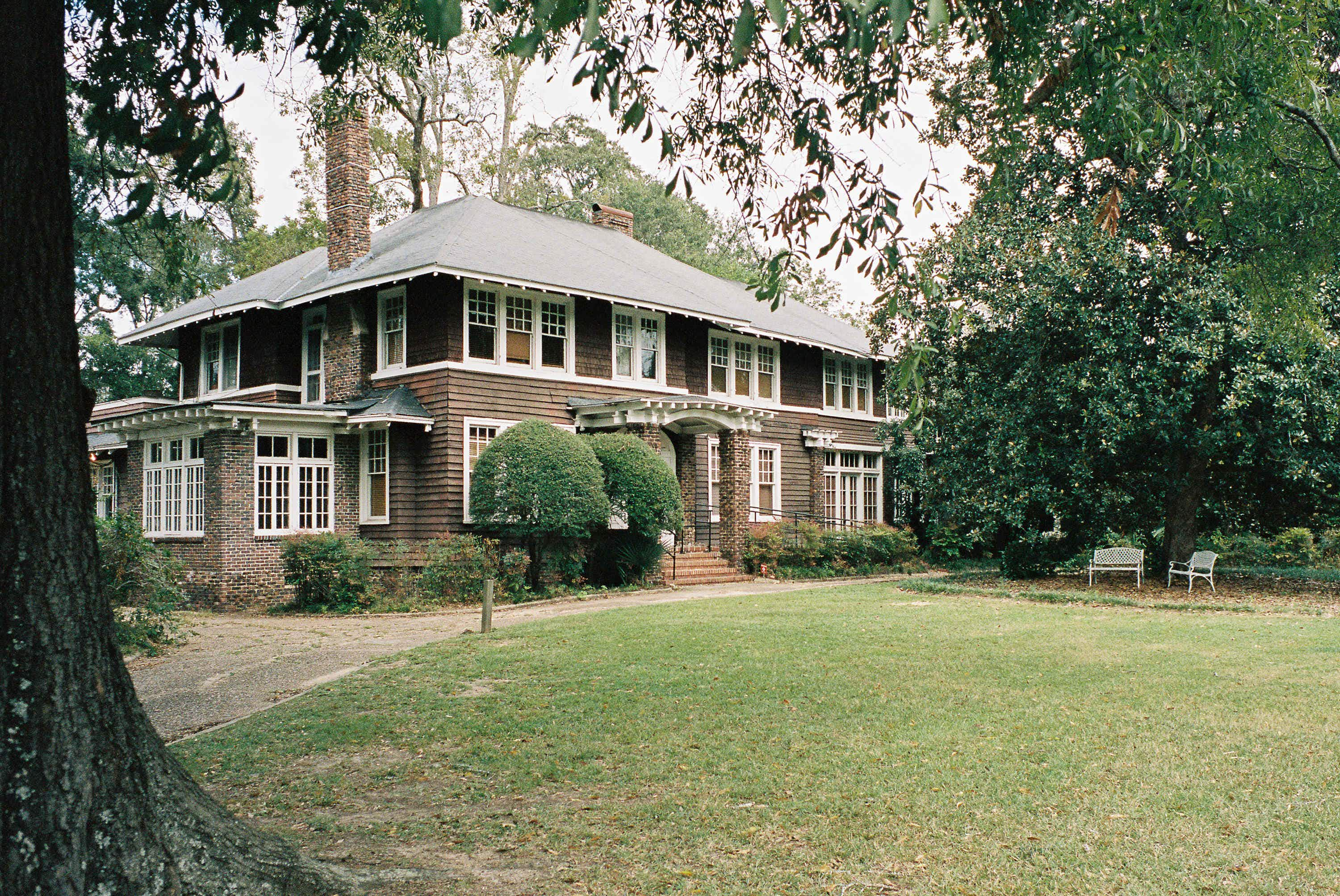 Now you can spend the night in the former home of Zelda and F. Scott Fitzgerald