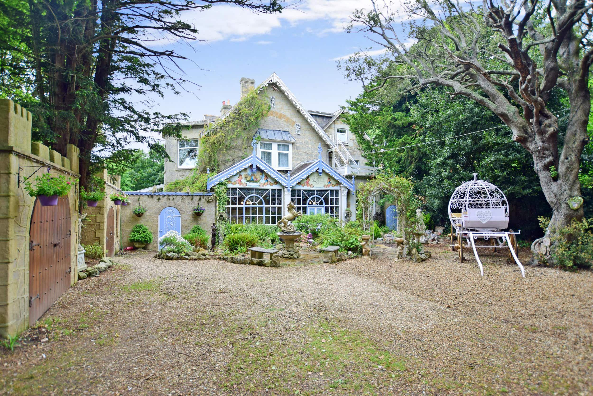 This stunning manor for sale in the Isle of Wight is straight out of a fairy tale