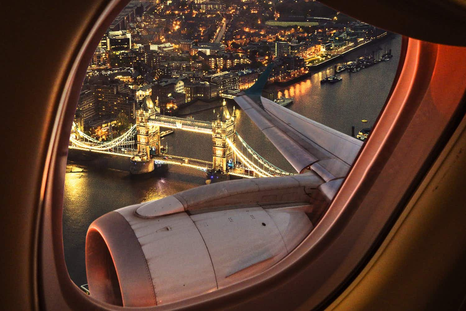 Discover the landmarks and interesting things you're flying over with this new app