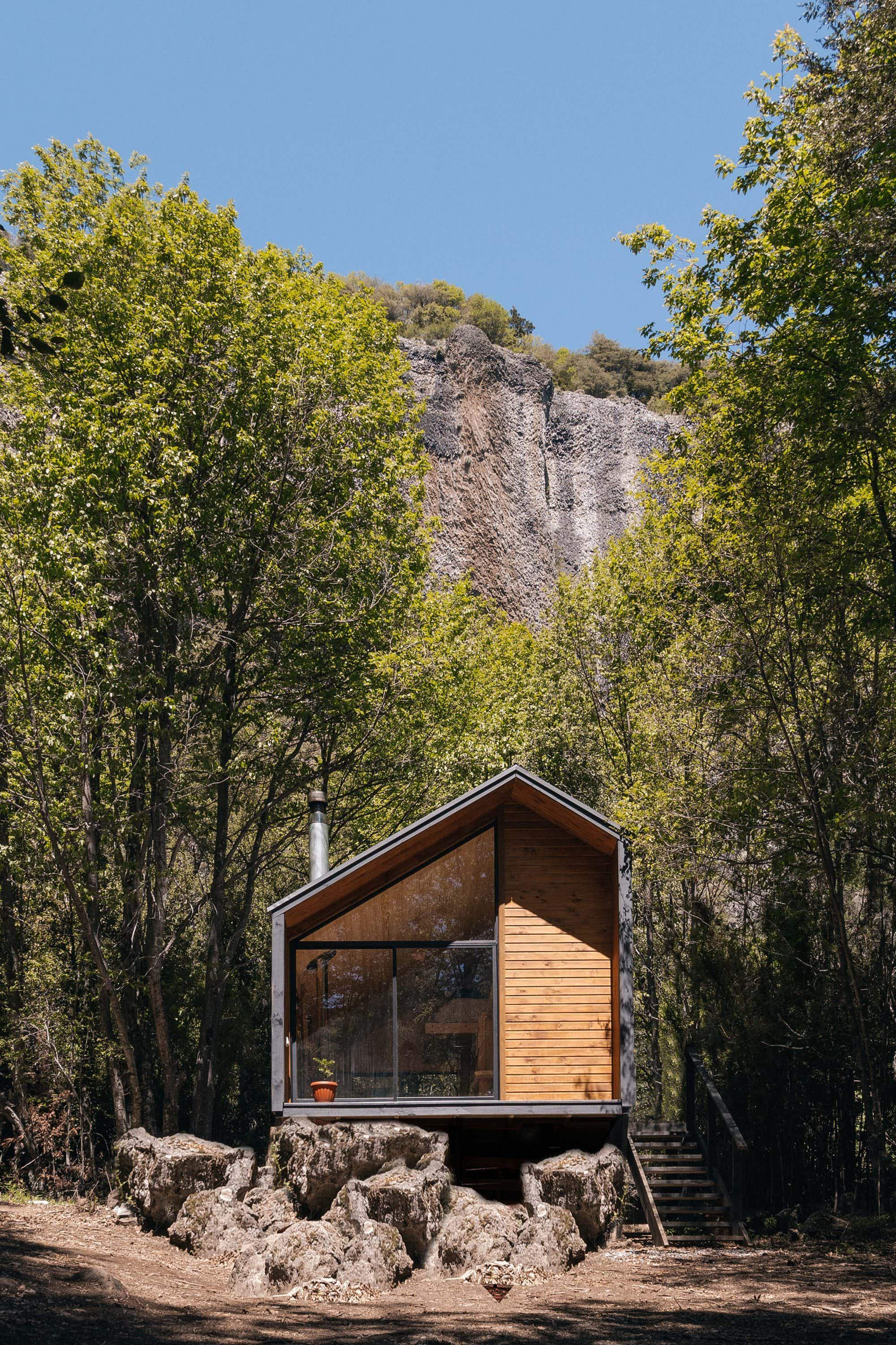 Check out this wooden refuge deep in the Chilean mountains