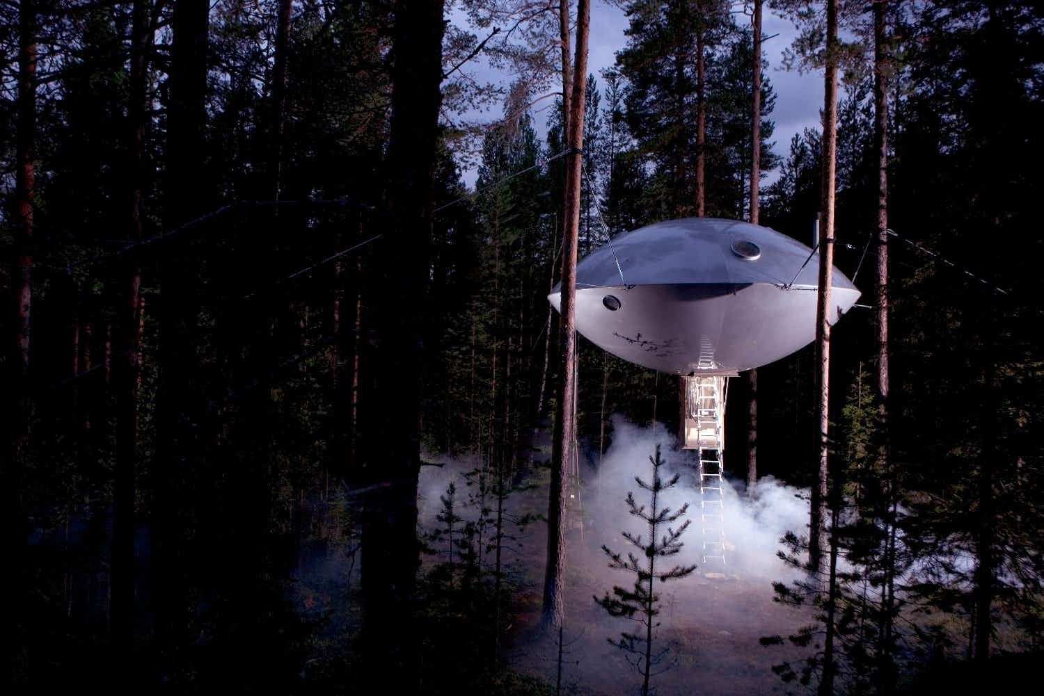 Win an escape to stay in a UFO in the trees for National Unplugging Day