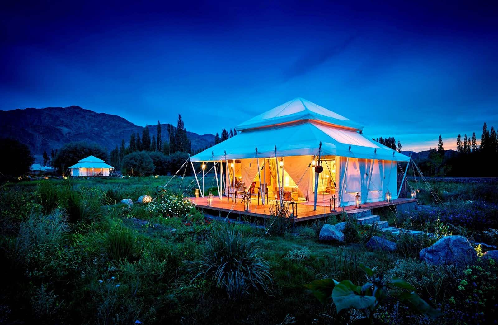 Find luxury glamping in the beautiful mountains of Ladakh