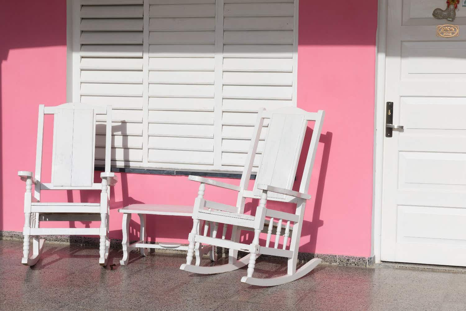 Discover the reason Spanish people love to keep their shutters closed all day