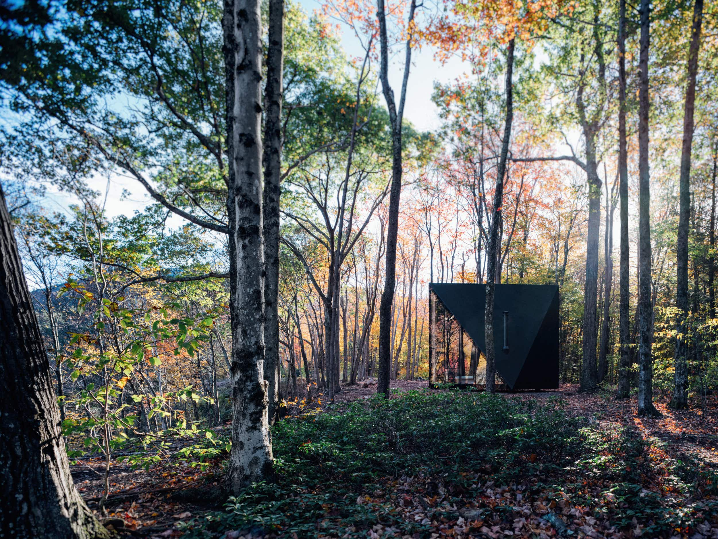 Live off-grid in this Nordic inspired tiny pop up house