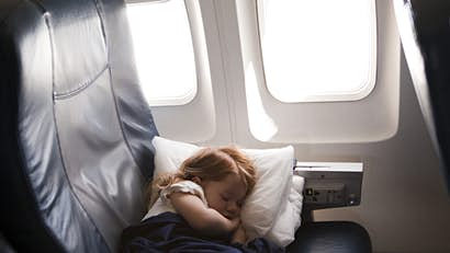 Do airlines reuse the blankets on flights?