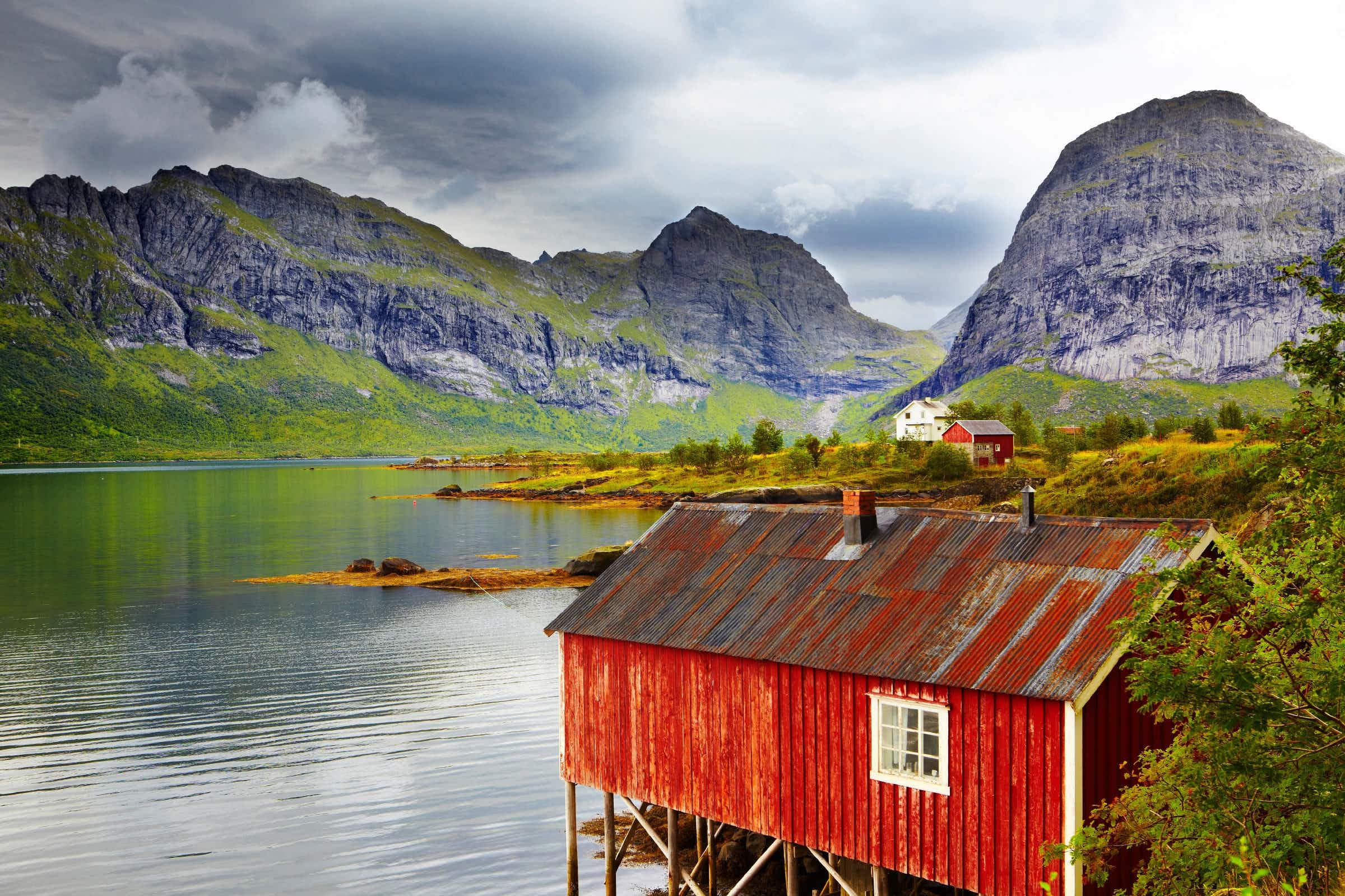 Spend two weeks travelling Norway this summer with an all-you-can-fly pass