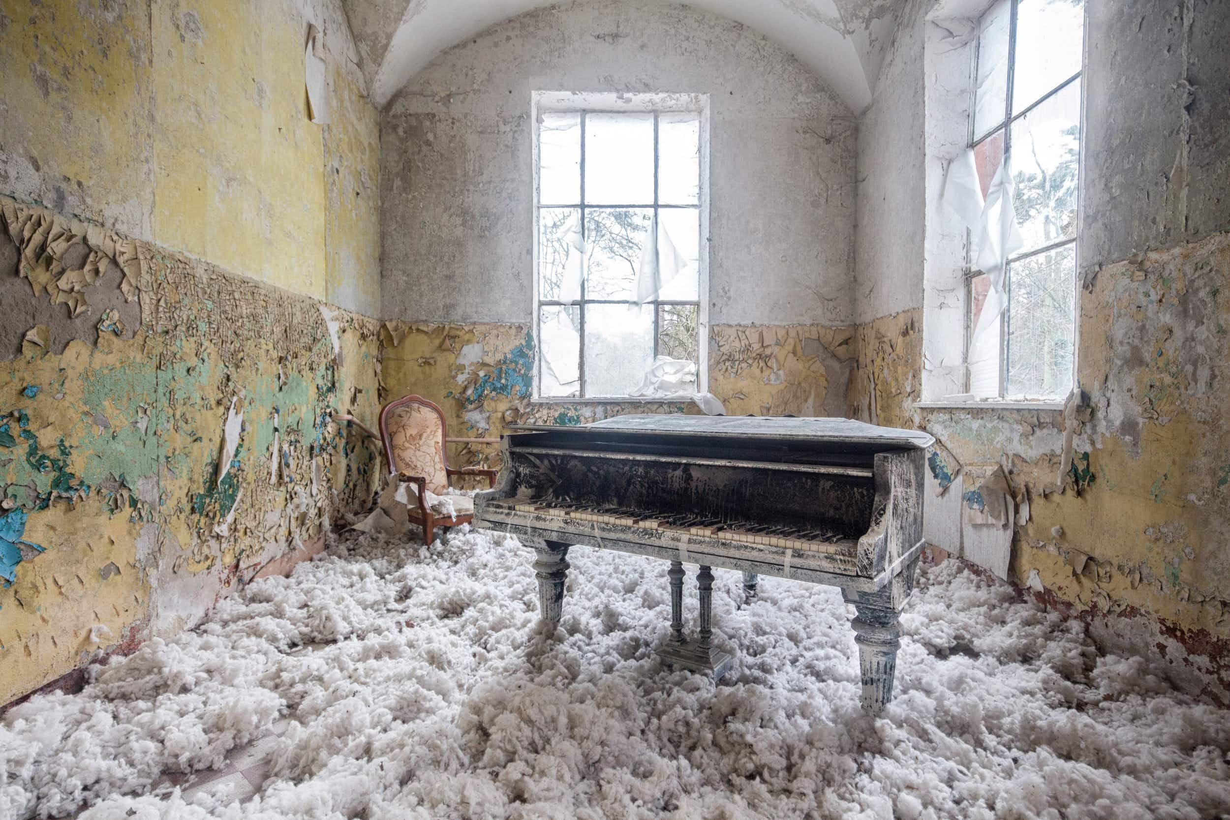 Requiem for pianos: photographer captures Europe's abandoned instruments