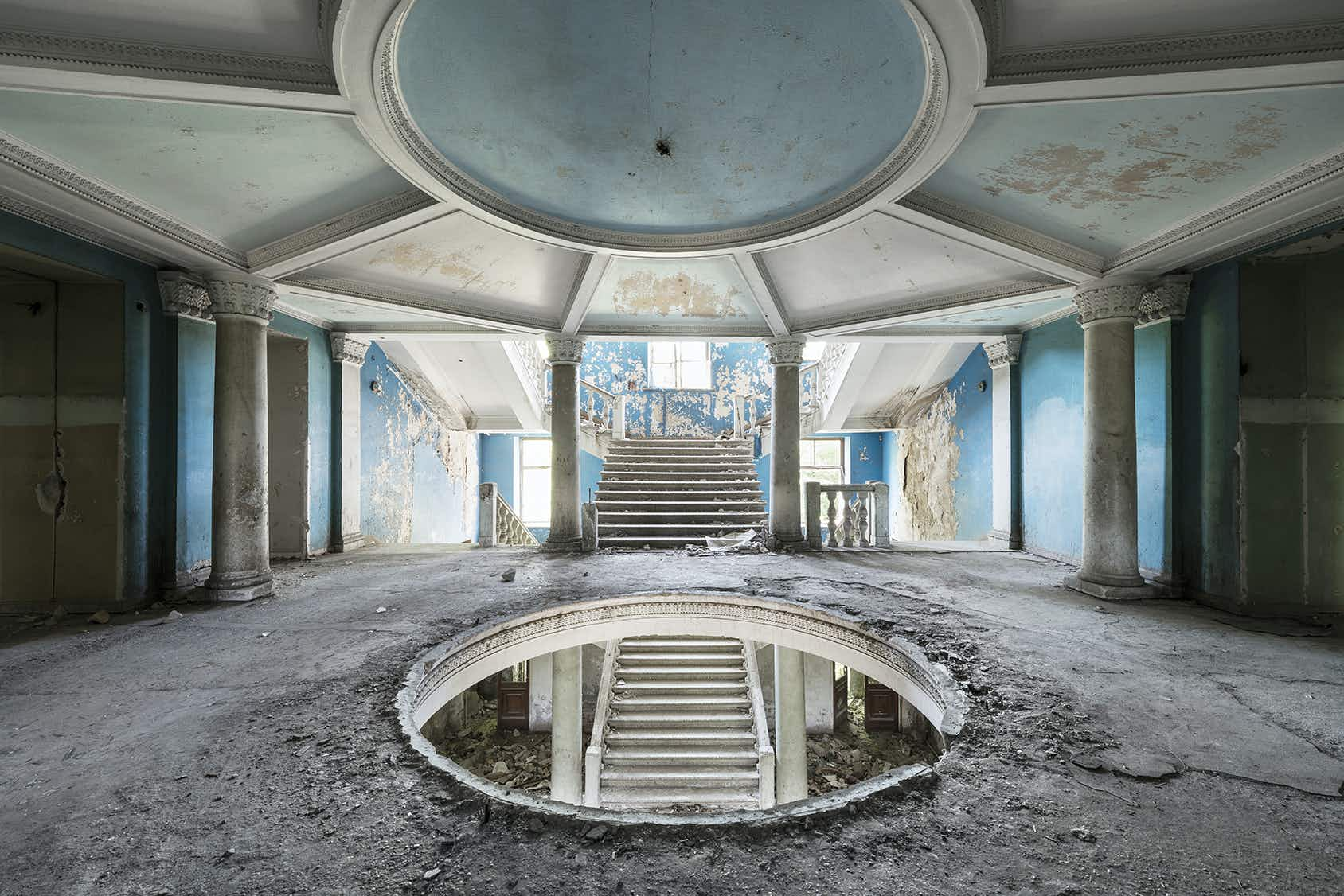 Take a look inside the forgotten Soviet spas along the Russian Riviera