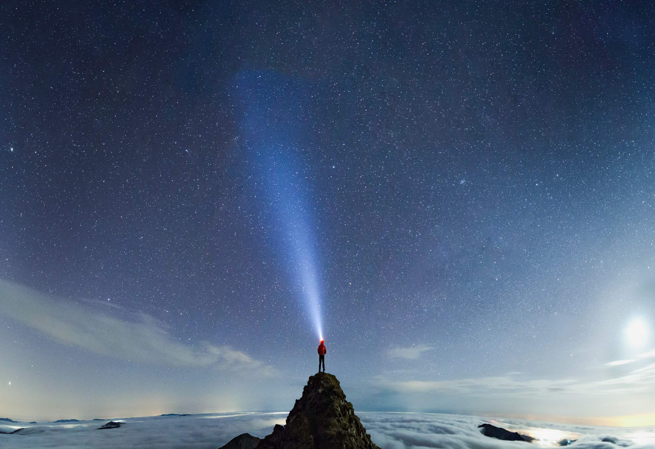 Epic selfies: photographer takes spectacular shots in Snowdonia