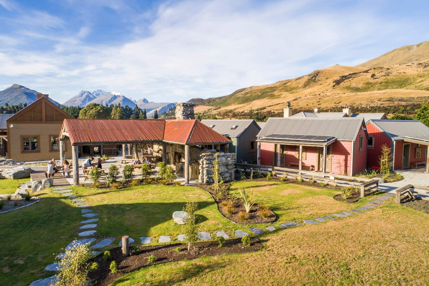 New Zealand's first zero energy accommodation has launched along the shores of Lake Wakatipu