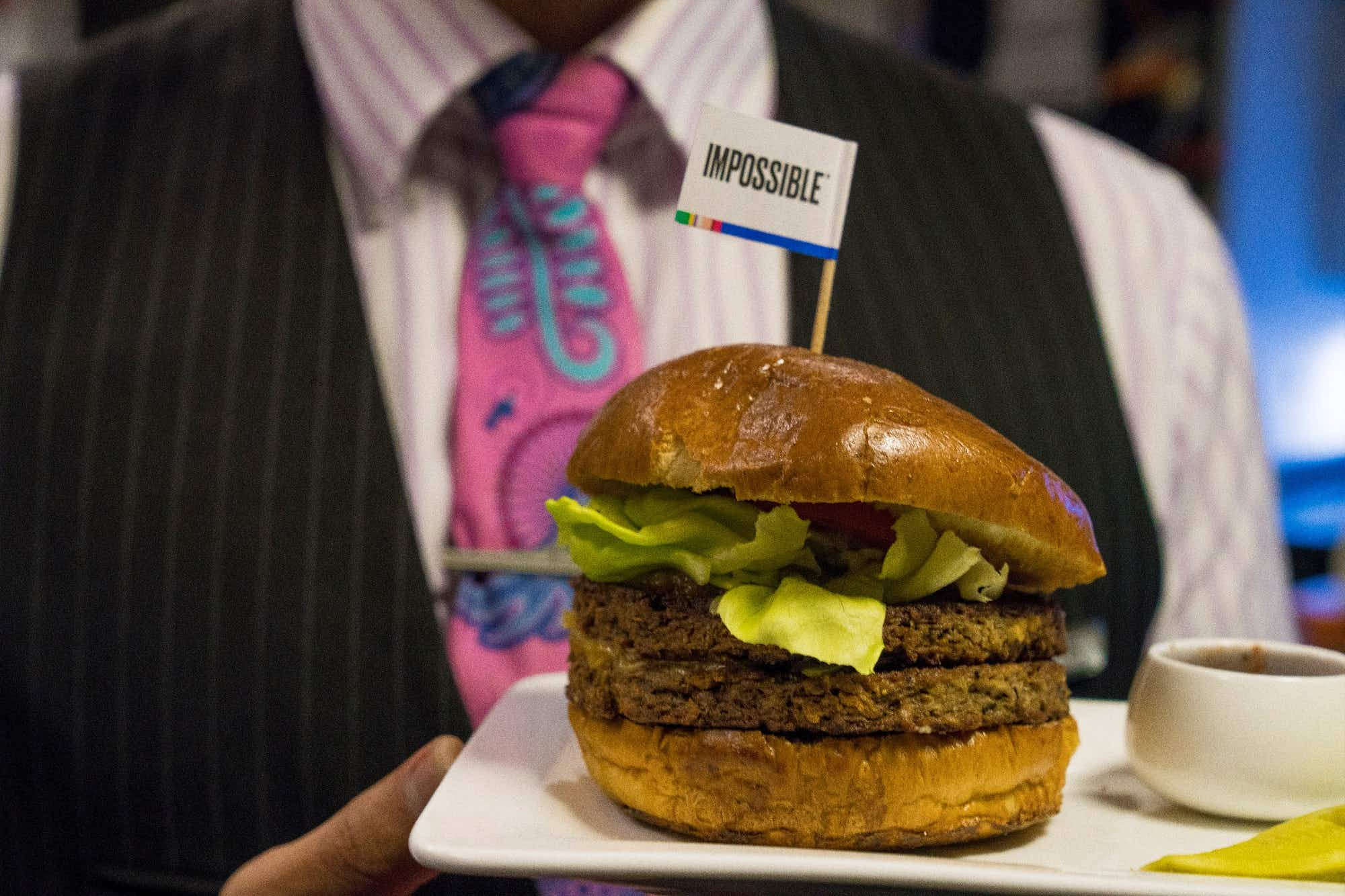 This is the first airline in the world to serve sustainable vegan burgers