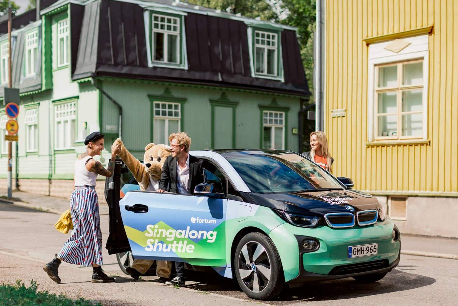 Passengers can pay for cab rides in Finland by singing karaoke