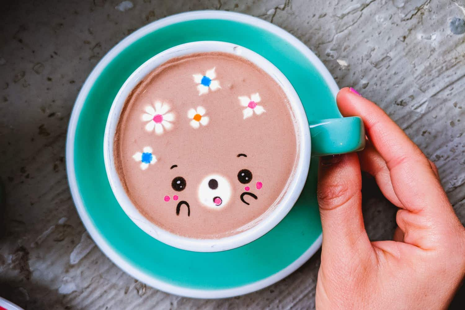 This New York café's adorable coffee art and funky desserts are an Instagram delight