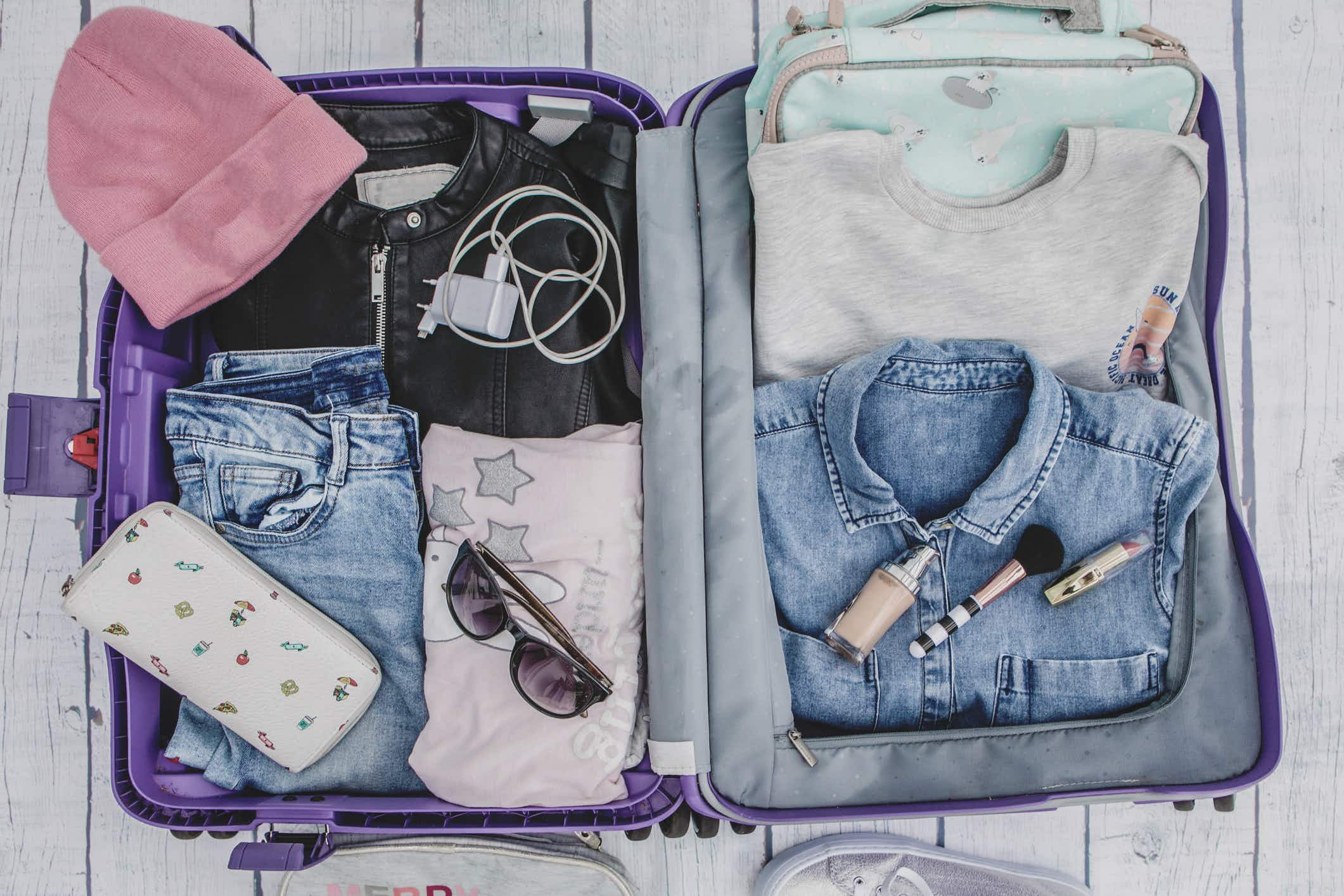 Fold or roll: the definitive answer for packing your suitcase
