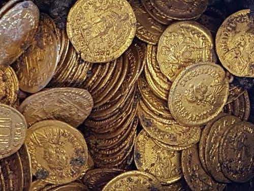 Hundreds of gold Roman coins were just discovered in Italy