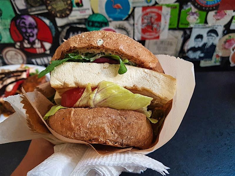 Travel News - Vegan burger