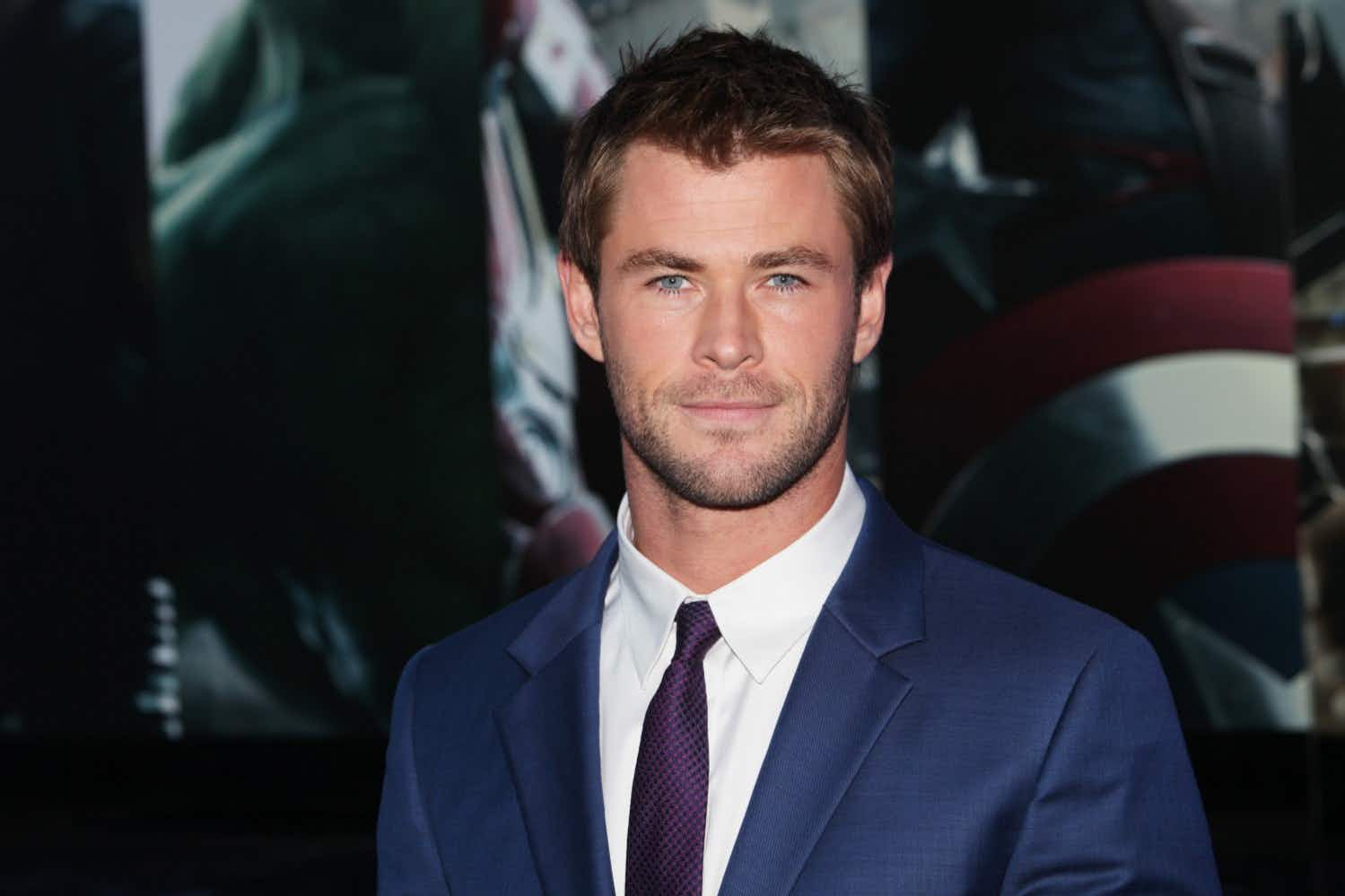 Chris Hemsworth gives a hitchhiker a lift to Byron Bay - in his helicopter