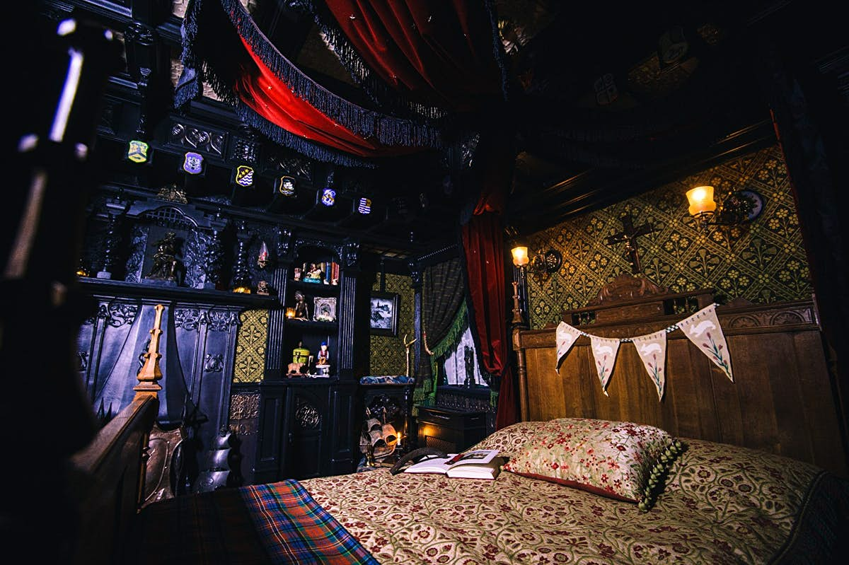 Are you brave enough to stay in a 'haunted bedroom' Airbnb in London?